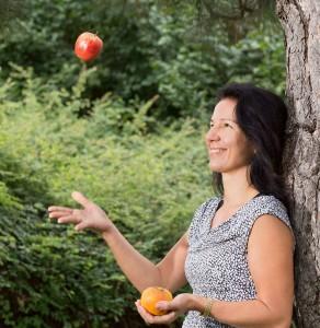 gemeinsamvital - apfel lachend jonglieren